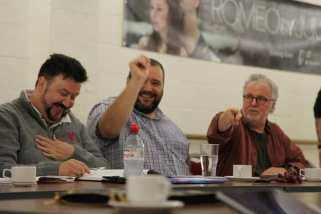 Dion Davies (Harry Dangle), Christian Patterson (Francis Henshall) and director Peter Doran at the first script read-through