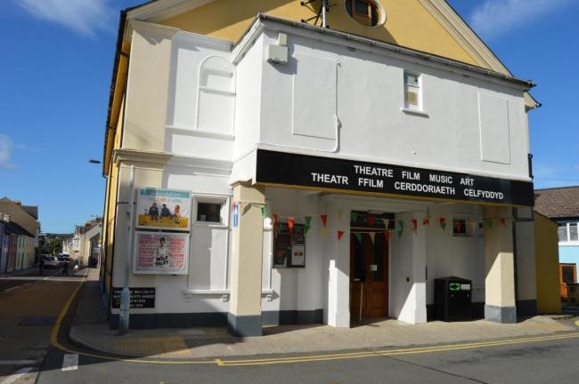 Theatr Gwaun, Fishguard, will receive a £1,500 grant from the town council to help overhaul its heating system