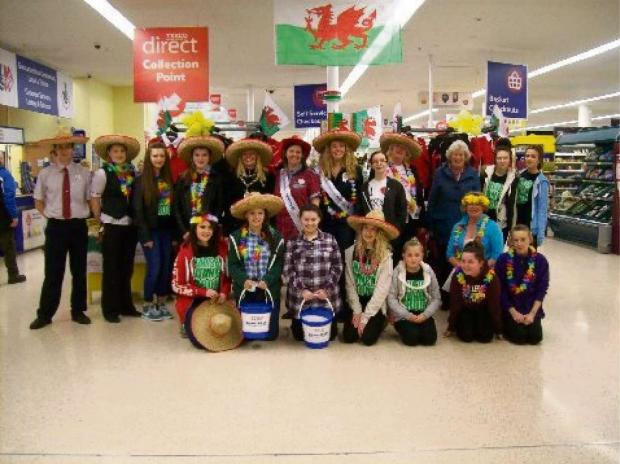 Milford Mercury: FUNDRAISERS: Staff and customers and Milford Haven Tesco help raise money for Diabetes UK
