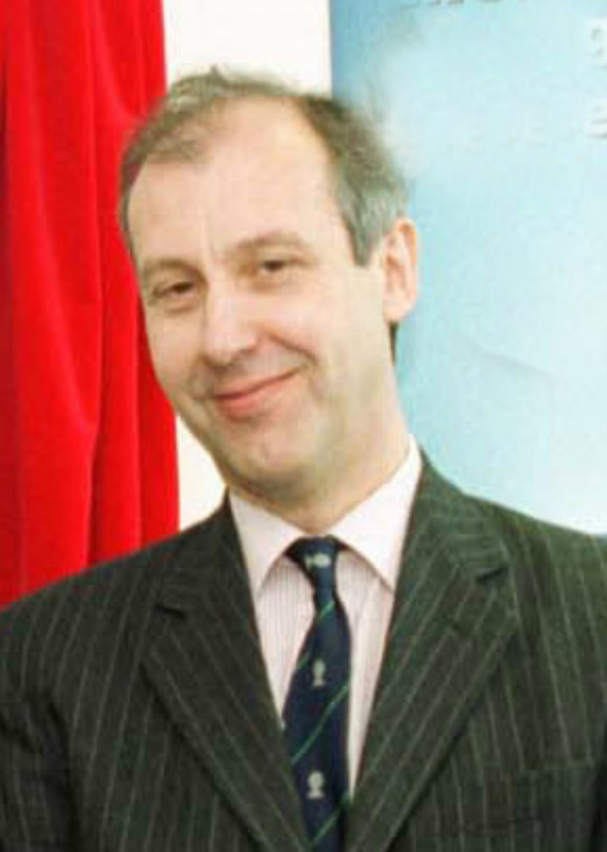 Assembly Member calls for Pembrokeshire council chief exec to be suspended