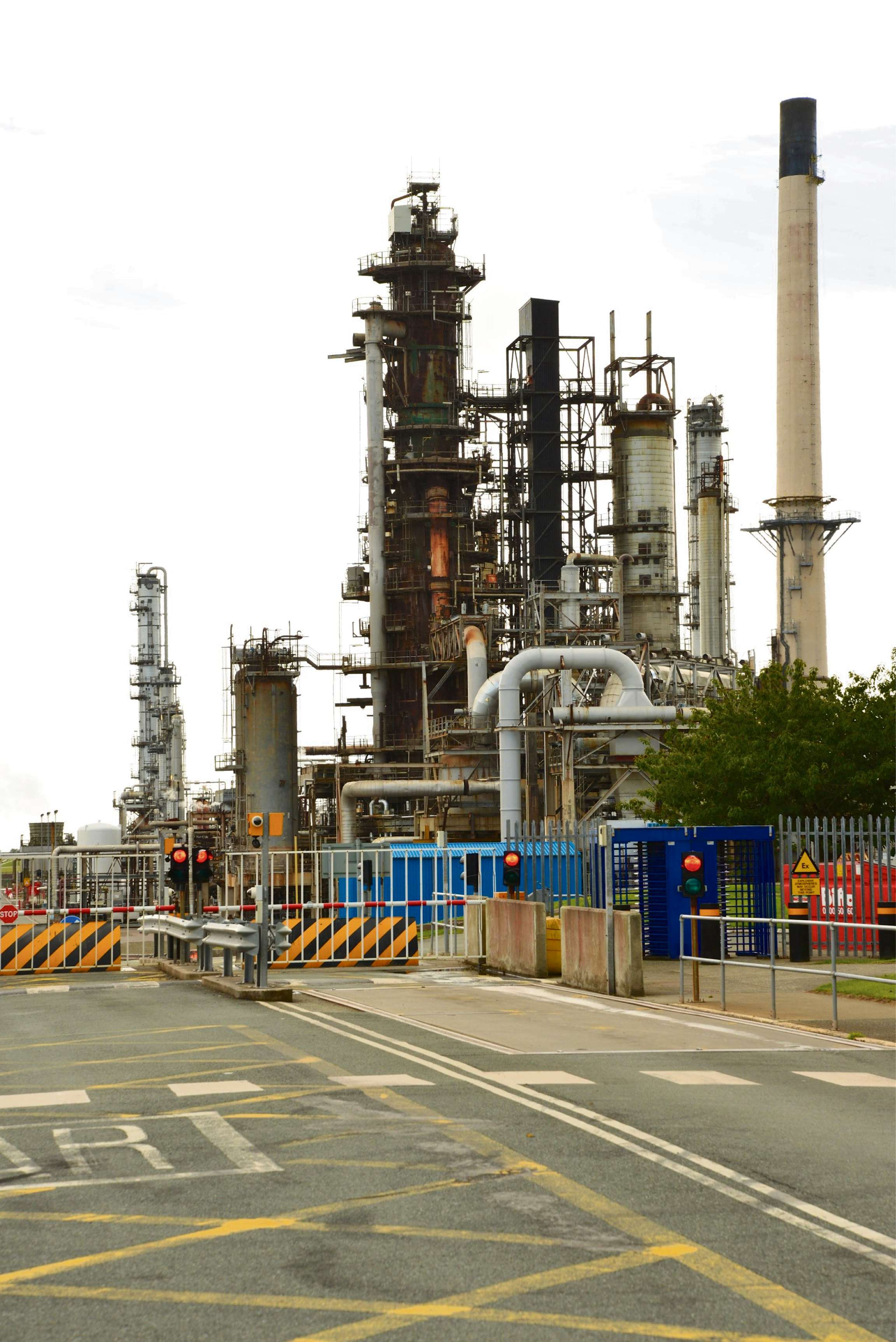 'Buyers still interested in Milford Haven Murco refinery' despite fears over site's future