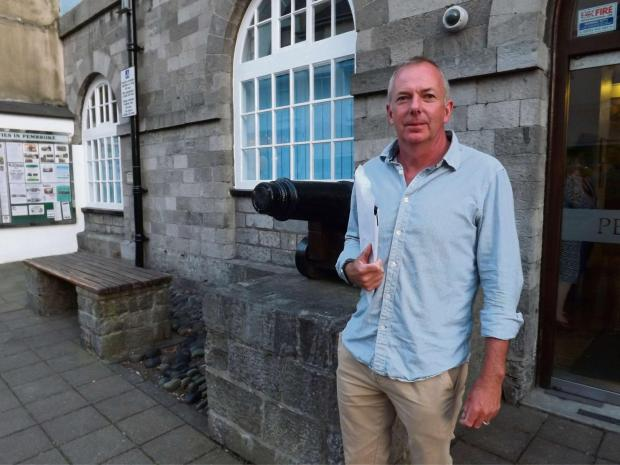 Milford Mercury: HEATED DEBATE: Cllr Jon Harvey won a vote of no confidence in Pembrokeshire County Council's ruling IPG.  PICTURE: Western Telegraph. (6294254)