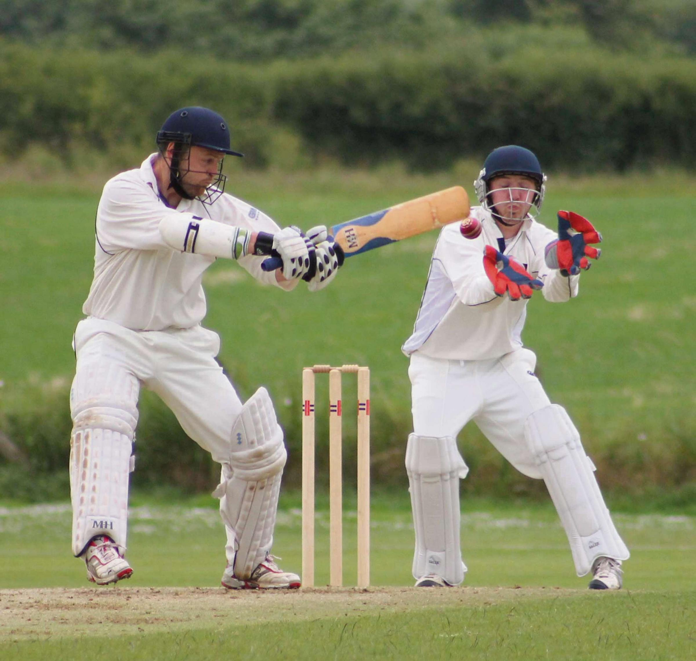 CRACKING SHOT: Brian Hall slashes a shot to the boundary for Carew. (8179291)
