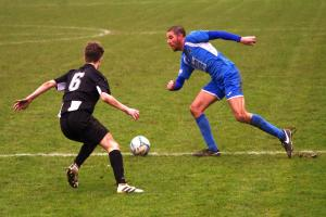 Bluebirds are outgunned by powerful Goytre