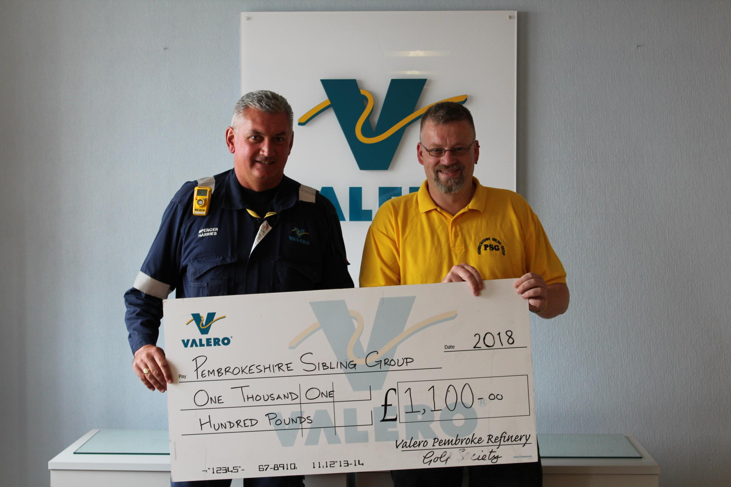 Valero Golf Society has tee'd up a big donation to the Pembrokeshire Sibling Group.