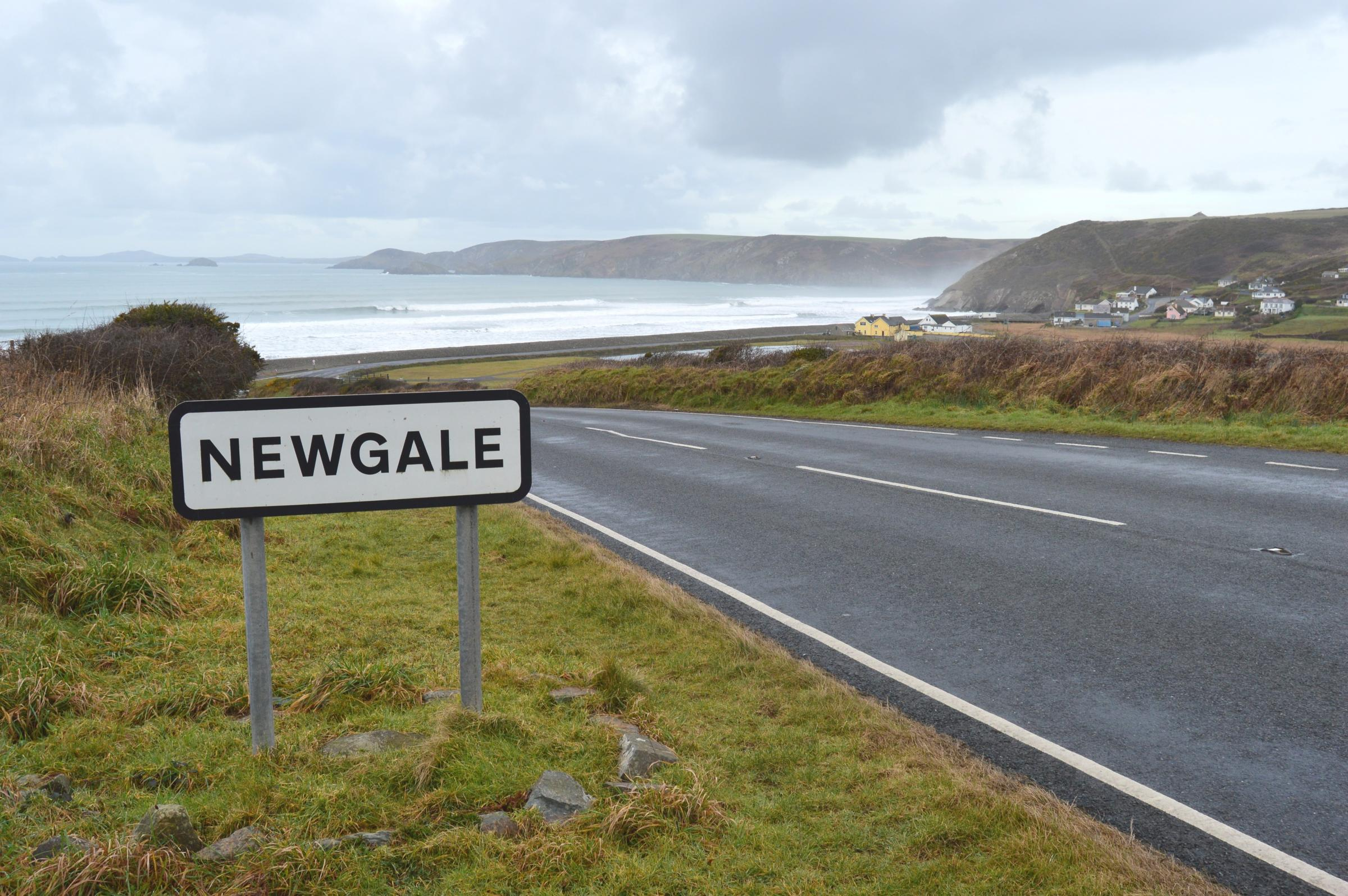 A kite or windsurfer has been injured in Newgale this afternoon.
