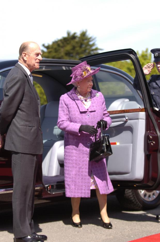 Milford Mercury: HM The Queen and HRH The Duke of Edinburgh visit South Hook LNG in May 2009.